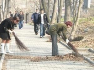 Запорожских безработных отправят убирать город