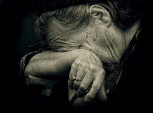 Будьте осторожны: мошенники наживаются на доверчивых пенсионерах - ФОТО