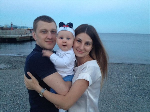 Жители Горловки собирают деньги на лечение девушки, которая выжила в аварии на Запорожской трассе