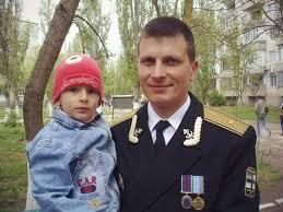 В Бердянске семья убитого в Крыму военнослужащего ВСУ въехала в новое жилье