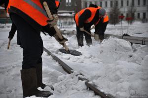 Цифра дня: 1363 – столько запорожских дворников чистят от снега придомовые территории