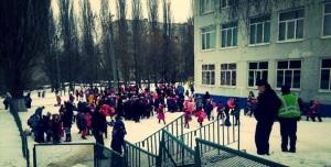 В первый день после каникул в Харькове заминировали школу