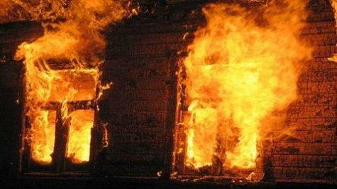В Запорожской области горел многоквартирный дом
