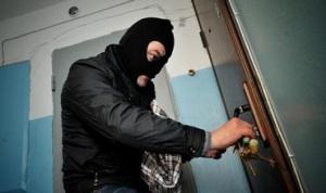 В Шевченковском районе воры вынесли из квартиры кондиционеры, раковину и батарею