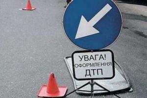 В Мелитополе спасателям пришлось вырезать тело водителя из авто
