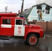 Масштабный пожар дома в Мелитополе тушили сразу 3 пожарные машины