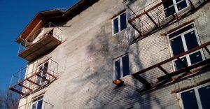 В центре Запорожья из-за стройфирмы-нарушителя «заморозили» реконструкцию жилого дома