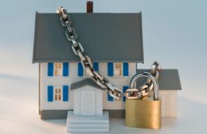 Запорожский «Водоканал» арестовывает квартиры и машины должников