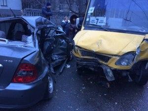 В полиции озвучили первые версии жуткой аварии, в которой пострадали дети