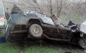Запорожские спасатели показали фотографии жуткого ДТП на трассе