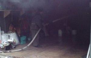 В Шевченковском районе из-за пожара в гараже едва не сгорел автомобиль
