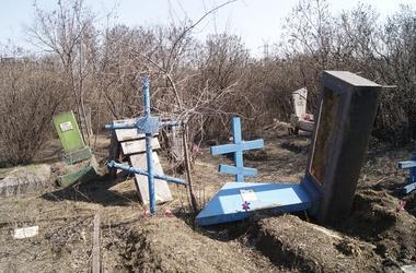 Прокуратура: Вандалы, которые потрошили могилы, отправятся в тюрьму
