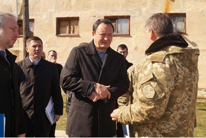 Мелитопольские военные рассказали главе области о плохом состоянии пищеблока