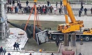 Строители рассказали, куда отвезут скульптуру Ленина
