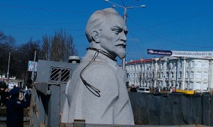Памятник Дзержинскому стал бюстом (ОБНОВЛЕНО)