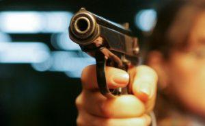 Огнестрел: Возле супермаркета в центре Запорожья убит мужчина – разыскивается преступник