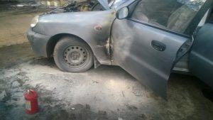 В центре города загорелся автомобиль – водитель погиб на месте