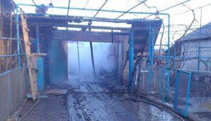 Во дворе частного дома в Вольнянске горел гараж