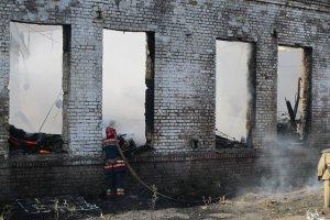 Пожарные ликвидировали возгорание на мелитопольском складе