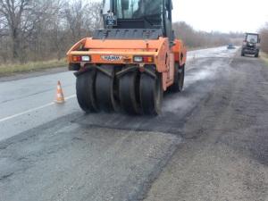 В Запорожской области из-за отсутствия финансирования прекратили ремонтировать дороги