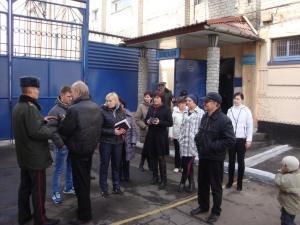 Родственники запорожских заключенных «прогулялись» по колонии