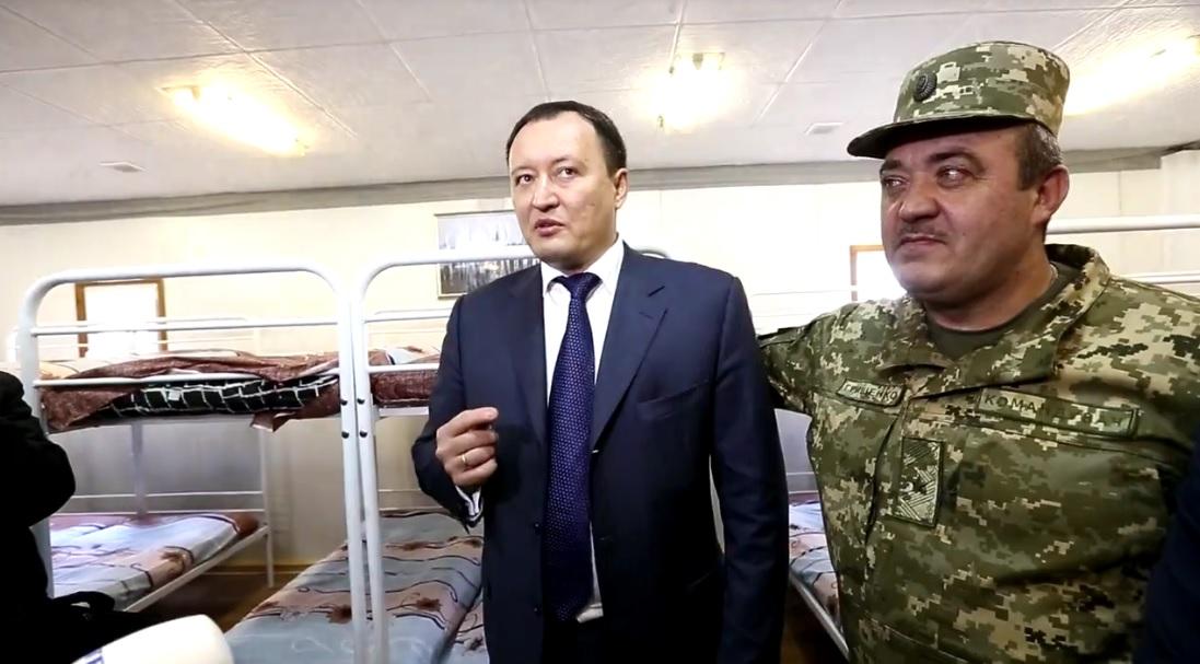 Мелитопольские военные переедут с бараков в модульные домики