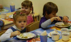 Город выделит почти 200 тыс грн на экспертизу продуктов, поставляемых в детсады и школы