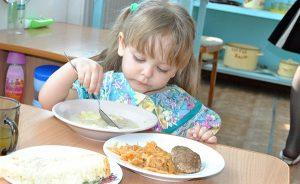 Мэрия: За вопросом качества продуктов питания для детсадов тянется большой коррупционный шлейф