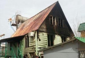 На одной из баз отдыха Кирилловки горел деревянный корпус