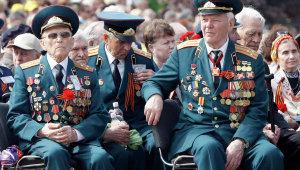 Запорожские чиновники и депутаты придут домой к ветеранам