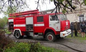 Вторая смерть от пожара за сутки: Спасатели тушили частный дом