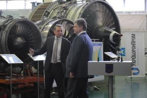 Президент уверен, что благодаря запорожцам удастся создать новый двигатель для истребителя