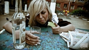 За злоупотребление алкоголем двух запорожанок могут лишить родительских прав