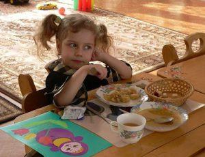 В мэрии обещают еженедельно обсуждать качество детского питания и устраивать «разбор полетов»