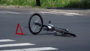 В Запорожской области молодой парень на «Джили» сбил велосипедиста