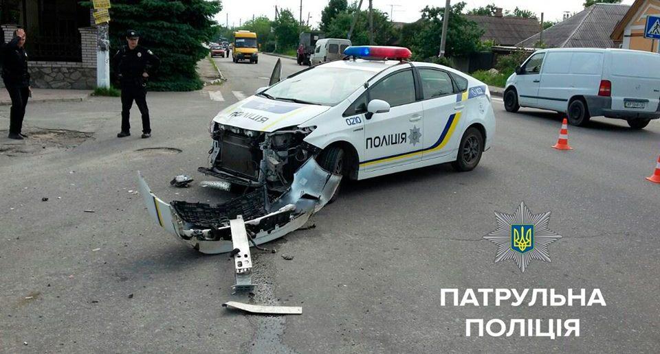 Водитель Форда, протаранивший автомобиль копов, был под действием наркотиков - полиция