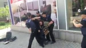 В Запорожье уличные музыканты подрались с патрульной полицией - видео