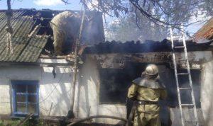 В Запорожской области масштабный пожар уничтожил хозпостройку
