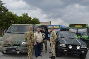 Запорожская АЭС передала разведчикам в АТО два автомобиля
