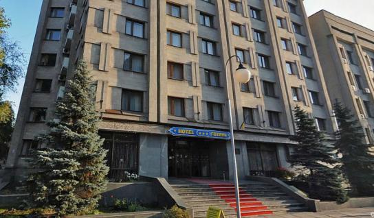 Депутаты не захотели увольнять директора отеля «Украина»