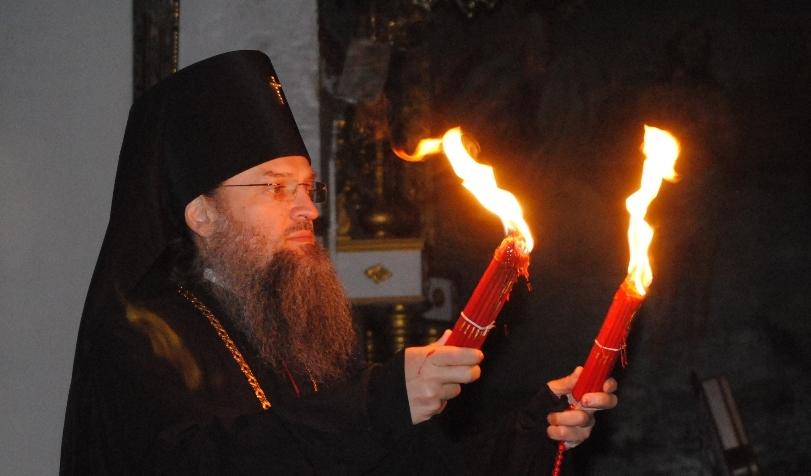 В Запорожье прибыл Благодатный огонь из Иерусалима - фоторепортаж