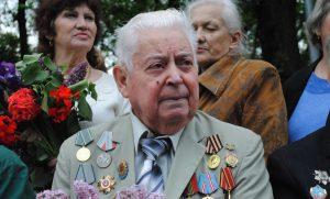 В Запорожье чтят память погибших бойцов и мечтают об еще одном Дне Победы