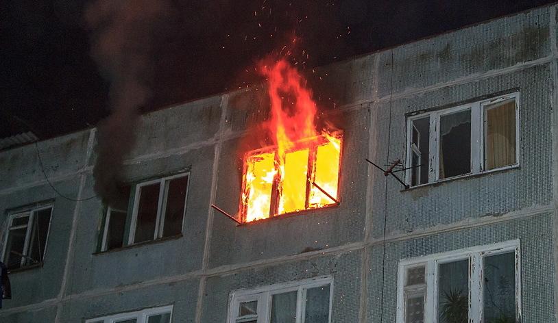 В Бердянске горела квартира: Мужчина с ожогами и отравлением в больнице