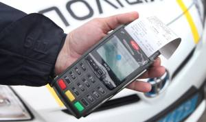 Уже сегодня патрульные автомобили оборудуют POS-терминалами - фотофакт
