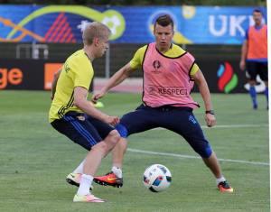 Евро-2016: Игроки сборной Украины - об игре с немцами, лягушачьих лапках и игроках Северной Ирландии