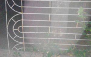В Запорожье воры разобрали на металл забор в детском саду
