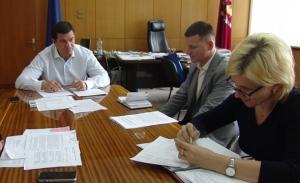 Самардак «тестирует» кандидатов на должности главврачей