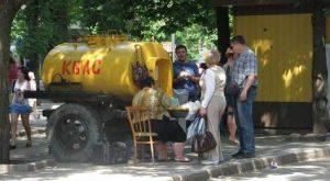 Жители Запорожья рассчитались за квас фальшивыми деньгами