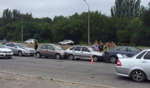 Массовое ДТП возле Дубовки: у двух авто были заклеены стоп-сигналы