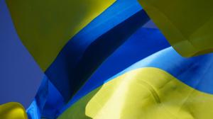 Запорожцы возложили цветы к памятному знаку защитникам Украины
